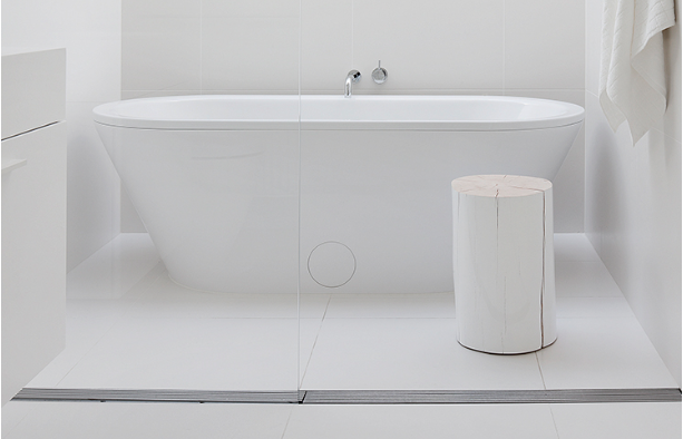 How to Enhance an Open Concept Bathroom That Has a White-Themed Design