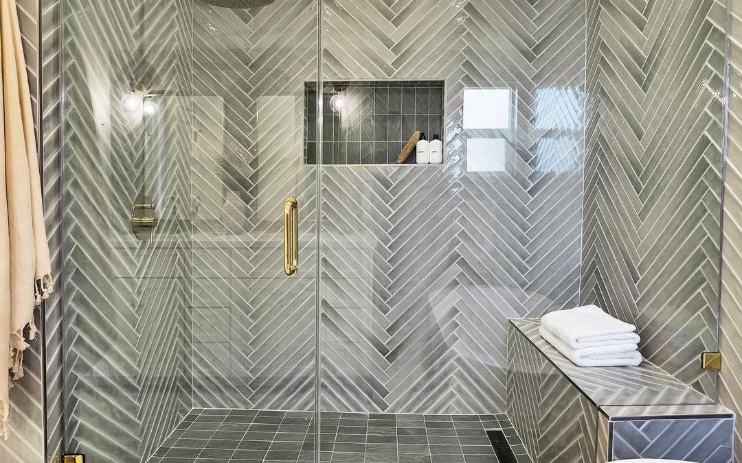A-Year-In-Review: Top Infinity Drain Bathroom Designs of 2020